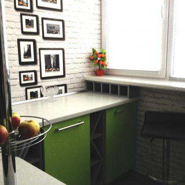 Элемент кухни на балконе с вставками для бутылок и небольшими открытыми полками