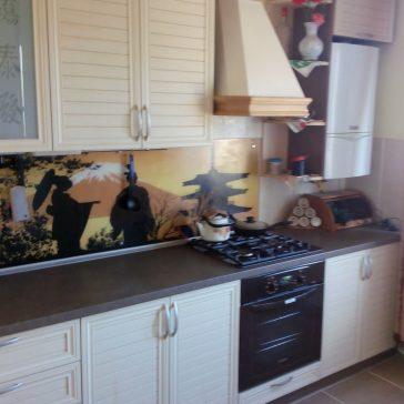 """Кухня из рамочного МДФ с фасадами из наборной планки, подходит для интерьера, стилизованного под """"кантри"""" или деревенский стиль"""