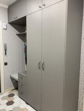 Комплект мебели для прихожей из ЛДСП Egger Лен антрацит.